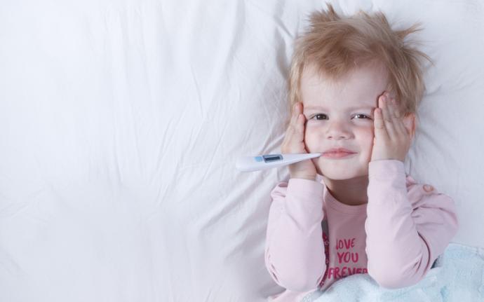 Gorączka u dziecka - przyczyny, normy, jak zbić?